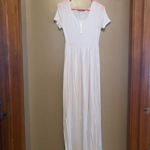 Long white short sleeve maxi with pockets